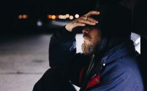 Poppers y dolor de cabeza: ¿Cómo evitarlo?